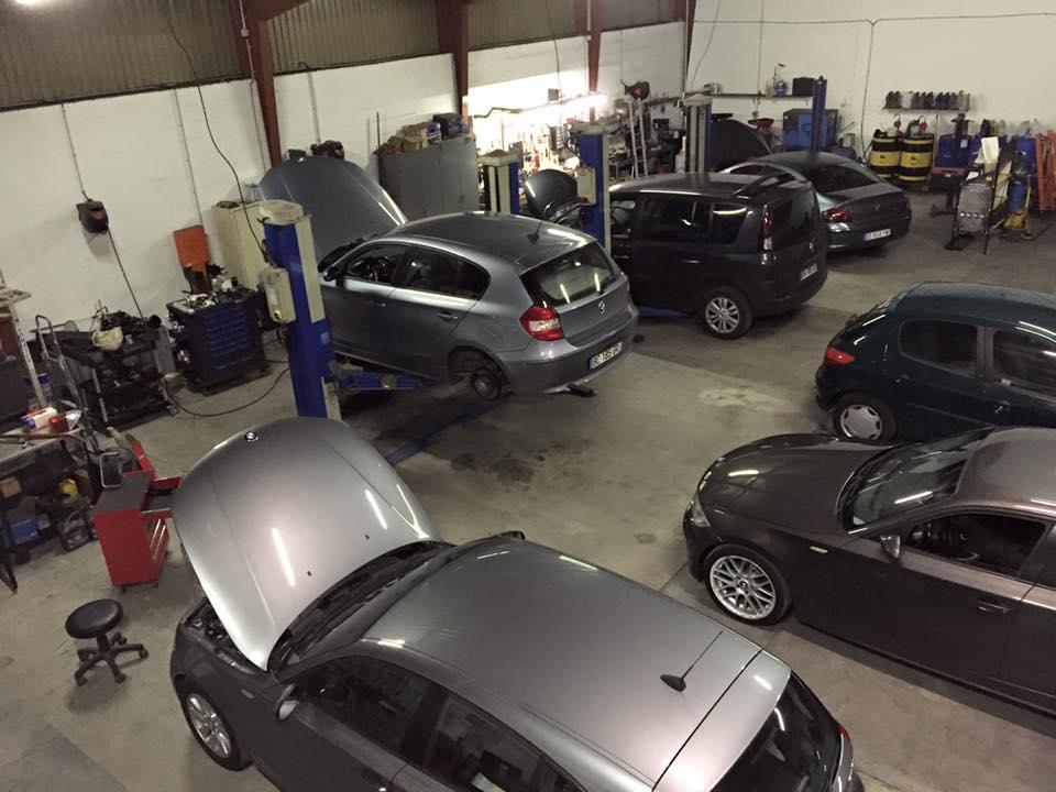 GARAGE ML CARS : Location taxi et véhicules utilitaires. Entretien & Vidange boîtes automatiques. Réparations toutes marques. Spécialisé BMW – MINI 68110 Illzach près de Mulhouse TÉL : 03 89 50 19 77