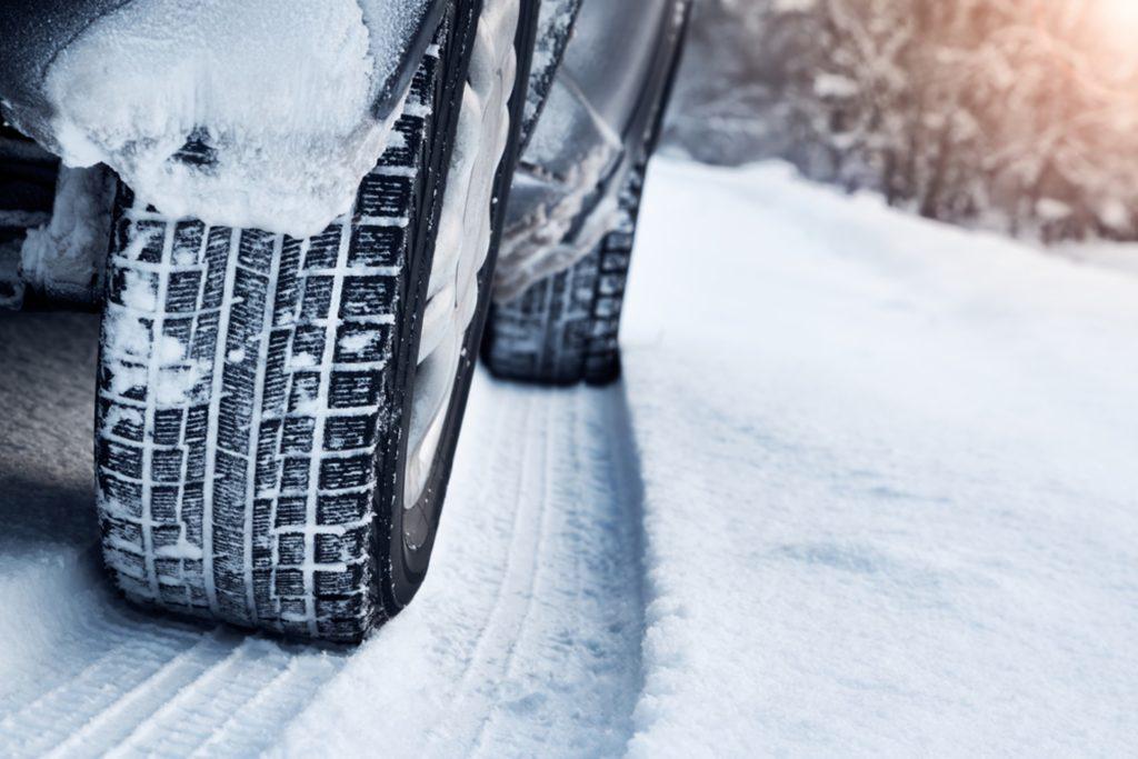 L'hiver sera bien là cette semaine. Profitez de conditions exceptionnelles pour monter vos pneus neiges et rouler en toute sécurité.