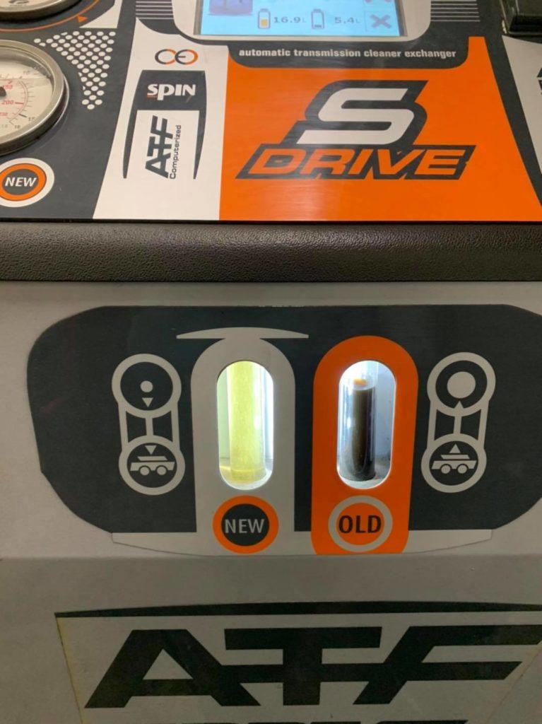 Aujourd'hui entretien Boîte Automatique x5 3,0sd boîte Zf6hp avec remplacement réponse filtre , bague étanchéité et remise à zéro des adaptatifs, vidange pont avant et arrière et entretien et remise à zéro de la Boîte de transfert .